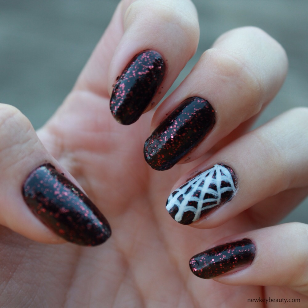 spider web nail art halloween