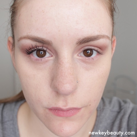rimmel scandaleyes volumeflash mascara swatch